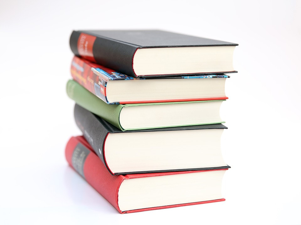5 Books Finance Students Should Read in College